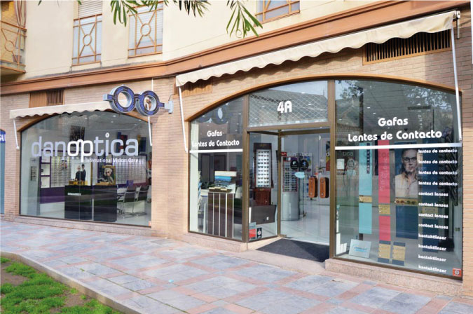 fachada-optica-centro-de-fuengirola